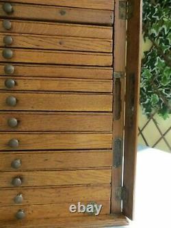 Armoire Antique De Dentistes De Chêne, Tiroirs De Collecteurs, Horlogers, Boîte À Outils / Coffre