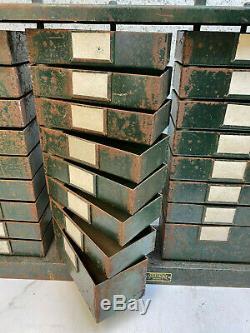 Ingénieurs Vintage Cabinet 34 Tiroirs En Acier Par Smallbone Birmingham