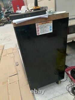 Snap On Used Black Tool Box Roll Cab Cabinet 7 Tiroirs 40 Largeur Avec Plan De Travail