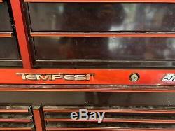 Snap-on Tempest Cerise Noire Boite A Outils 22 Tiroirs Snapon Bas En Haut De L'armoire Rouleau