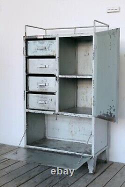 Tiroir De Coffre D'armoire D'armoire D'armoire D'outil D'atelier Industriel De Cru