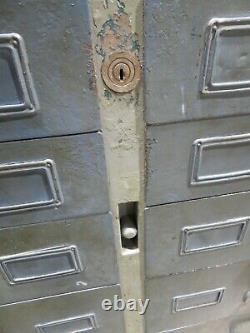 Vieux Industriel 12 Tiroirs Armoire De Stockage En Métal Garage Atelier De Stockage D'outils
