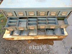 Vintage Industrial Engineers Cabinet 24 Tiroir